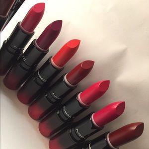 Mac  Love me lipsticks bundle